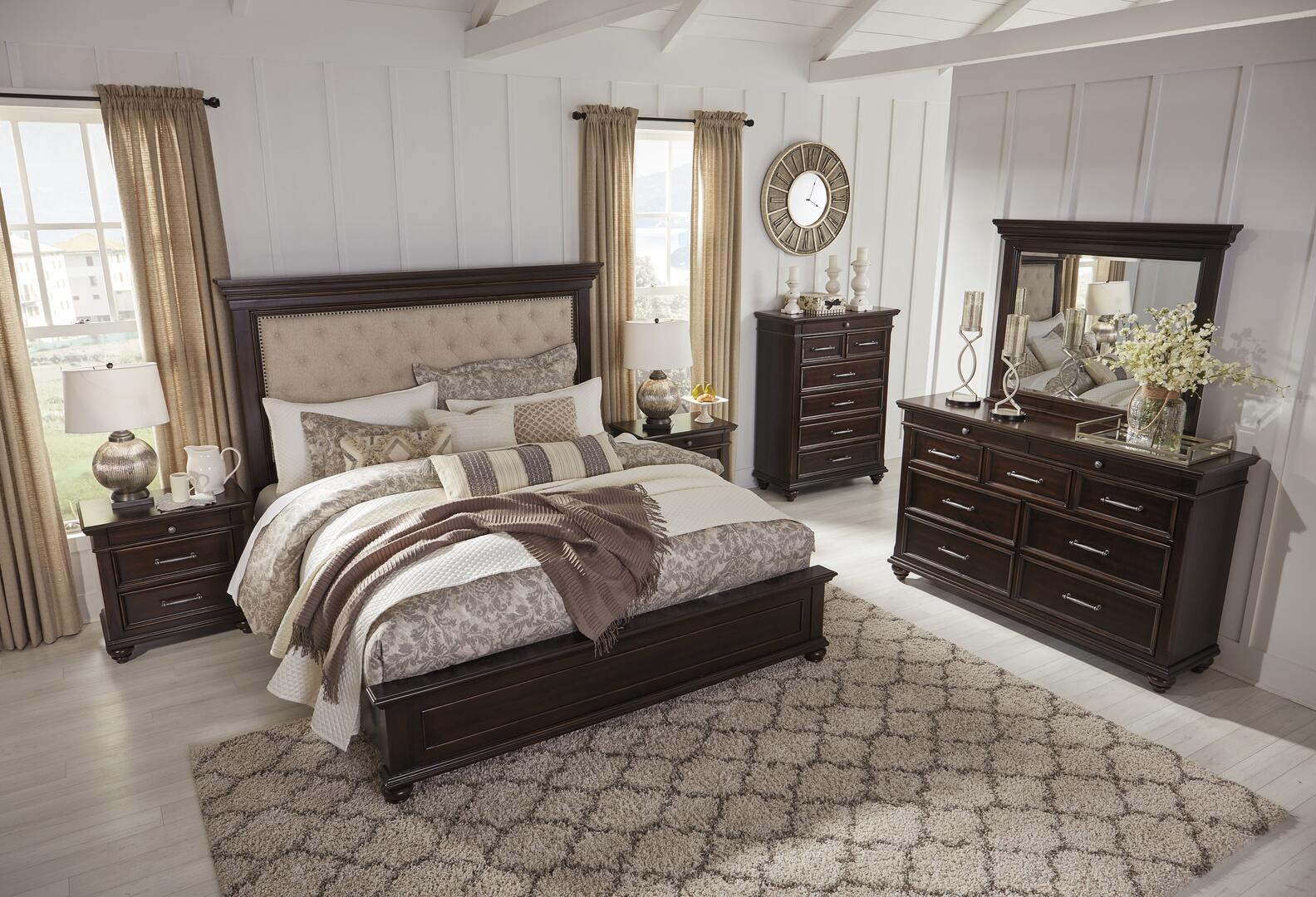 Signature Design by Ashley Brynhurst 6 Piece King Size Bedroom Set