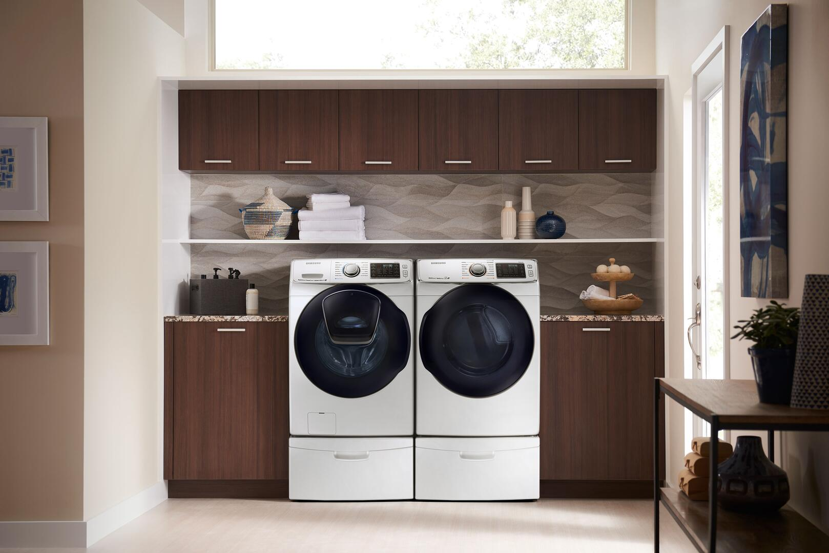 samsung sample with washer dryer and pedestal