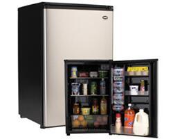 Sanyo SR4912M  Compact Refrigerator with 4.9 cu. ft. Capacity in Black w/ Platinum Door
