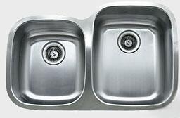"Ukinox D376604010 32"" Wide Undermount Double Bowl Sink - 18-Gauge: Stainless Steel"